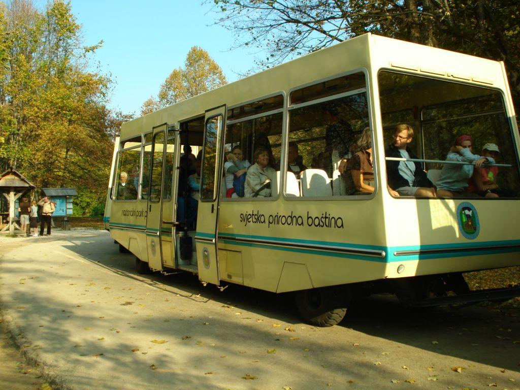 Bus in Plitvice