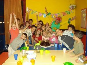 Split Caroline geburtstagsfeier, Frohe kindern