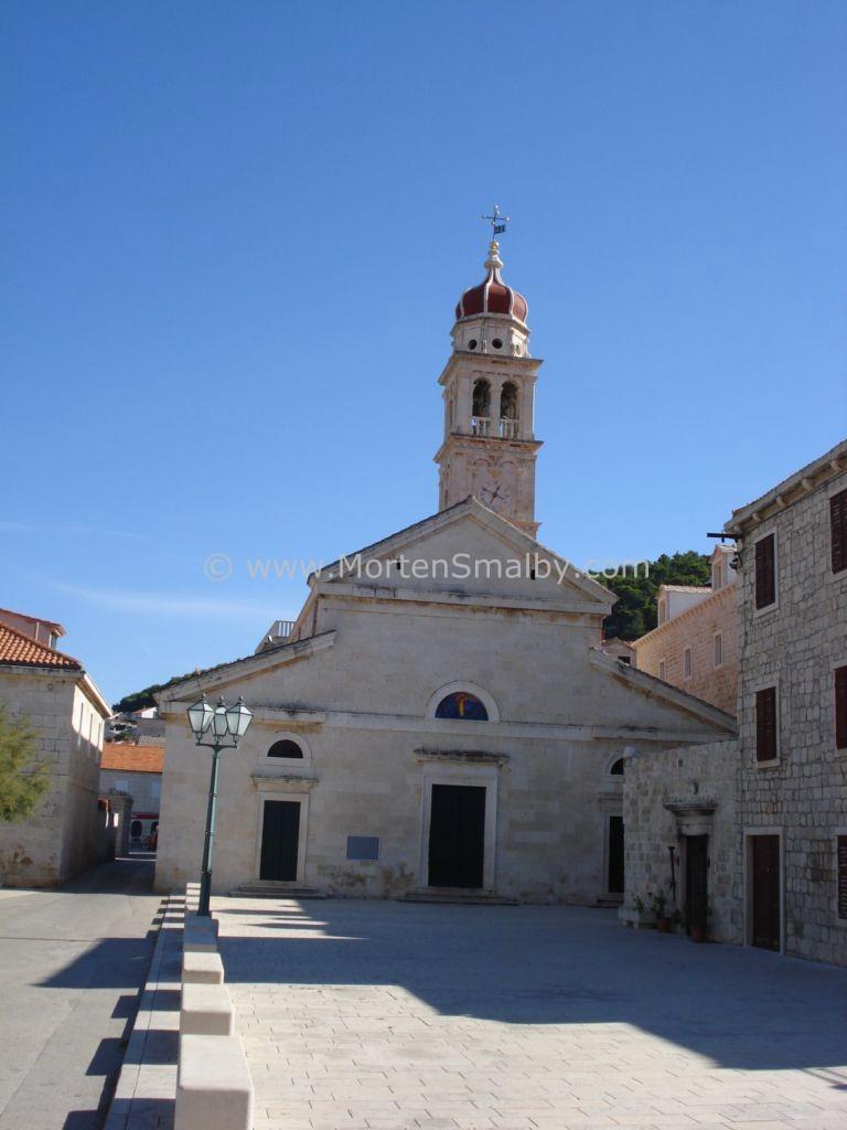 Pucisca Brac Kirke