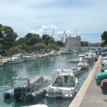 Trogir kanalen zwischen festland und Insel