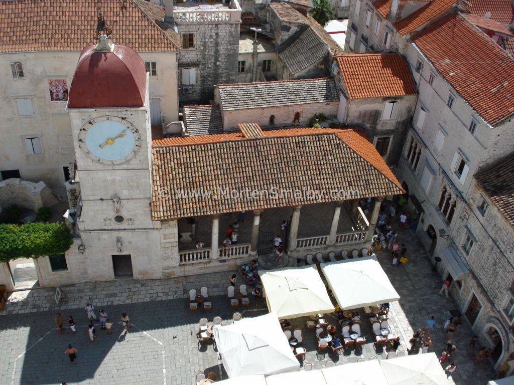 Trogir platz vor der Kathedrale