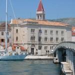 Trogir aus Ciovo gesehen