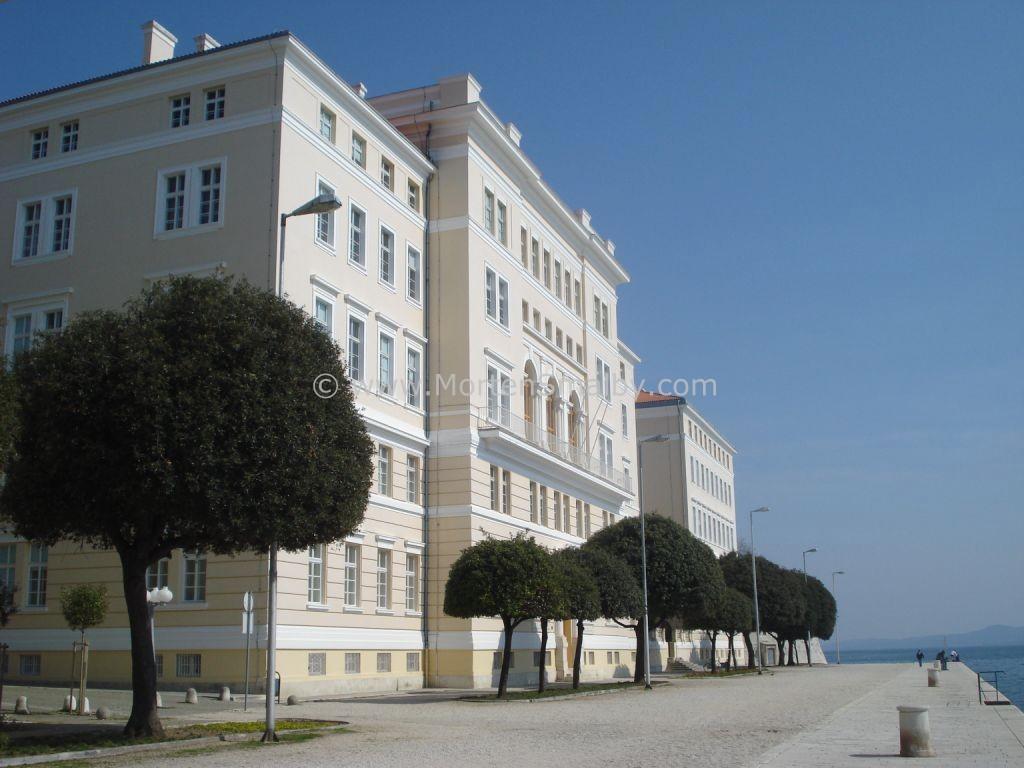 Zadar oeffentlicher gebaeude