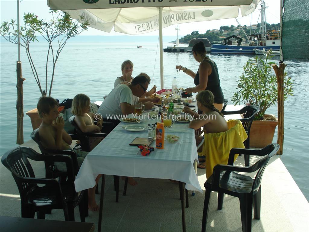 Mittagsessen in Sumartin